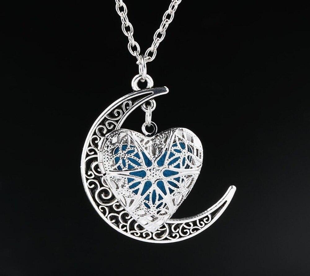 Essential Oil Aromatherapy Half Moon Pendant Diffuser Locket Pendant Necklace Chain locket