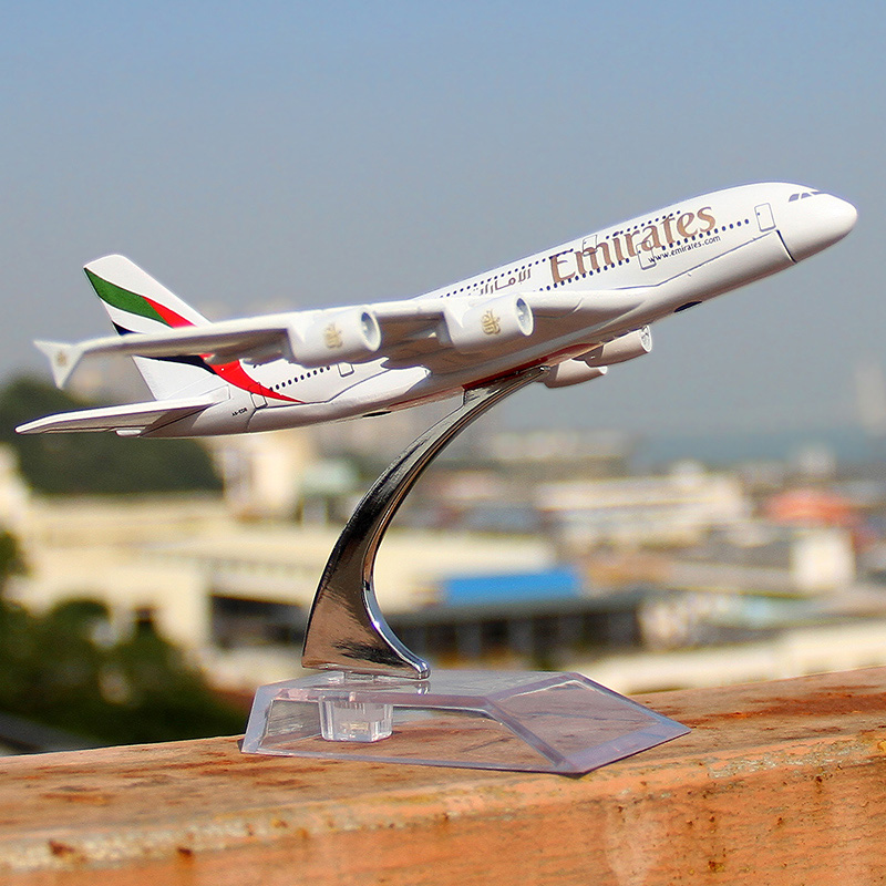 Alloy Metal Air Emirates Airlines Airplane Model Airbus Airways Plane Model Stand Aircraft as Gifts