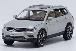 Image 4 - 1:32 alloy pull back car toys, high imitation Tiguan L,open door music &flash& toy vehicles, wholesale