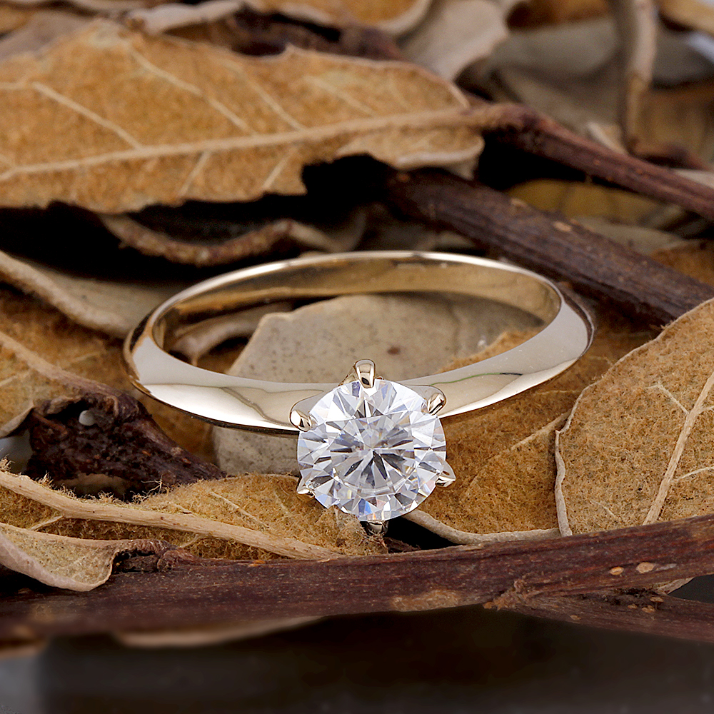 Transgems Moissanite Bague de Fiançailles Or Center 1ct 6.5mm F Couleur Moissanite Diamant 14 k Or Jaune Bague de Fiançailles Femmes