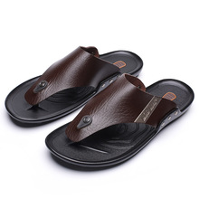 High Quality Hot Sale Men Beach Slippers Fashion Flip Flops with Soft Sole Trendy Breathable Easy To Match Summer Shoes