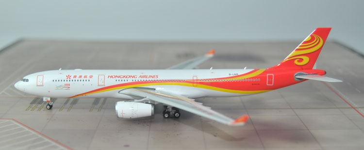 New Phoenix 1: 400 04103 Hong Kong Airlines A330-300 B-LNR Alloy passenger aircraft model Collection model new fine phoenix 1 400 11330 indonesian airlines a330 200 pk gps alloy aircraft model collection model holiday gifts