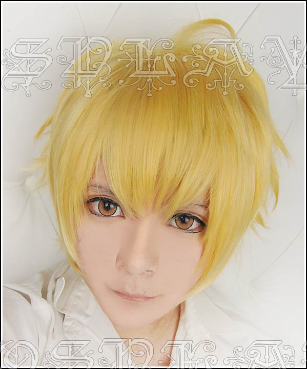 Game Fate/Stay Night Zero Gilgamesh Cosplay Wigs Short Golden Heat Resistant Synthetic Hair Wig + Wig Cap