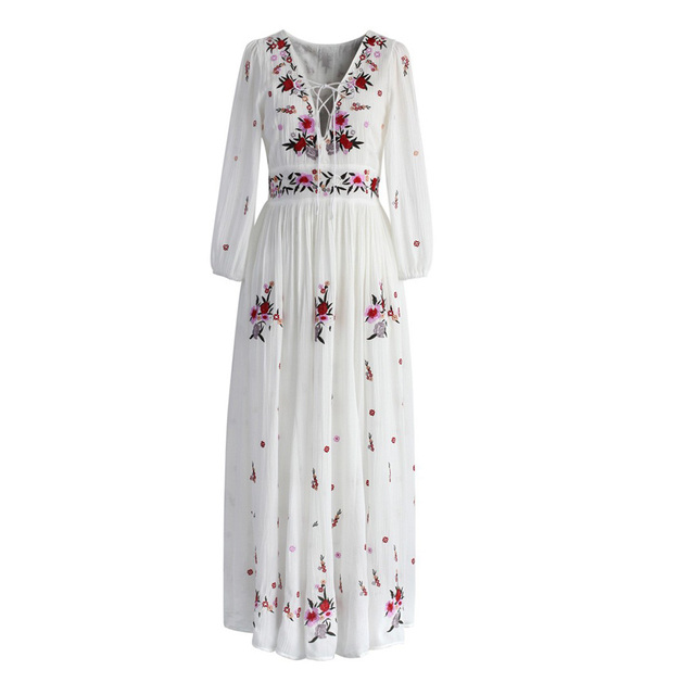 f25e9d05917dc TEELYNN Blanc boho robe longue coton 2018 Vintage floral Broderie Sexy  v-neck robes de