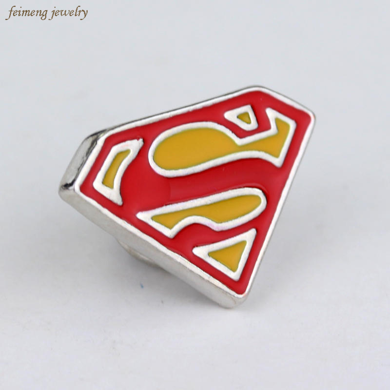Hot Sale Movie Jewelry Superman Superhero DC Comics Suit Lapel Pin Brooch Emblem Badge Fashion Men Women Top Quality Brooch Pins