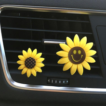 Car Perfume Fragrance Auto Interior Decorations Clip Plastic Sunflower Smiling Face Styling Car Air Freshener Scent Diffuser