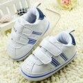 Niño del Bebé de Cuero de Imitación Zapatos del Pesebre Suaves antideslizantes Suela de la Zapatilla de deporte