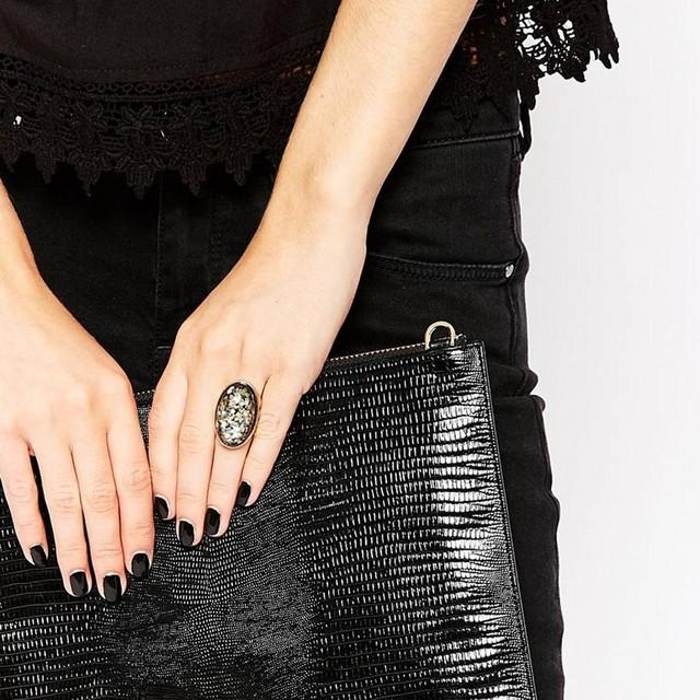 Glitter Sequins Black Oval Cocktail Ring