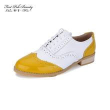 89707f821 Mulheres Couro Genuíno Sapatos Oxford mulher Apartamentos Brogues Oxford  rendas Feitas À Mão Do Vintage mocassins de tênis casua.