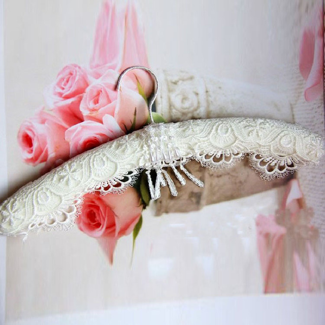 Free Shipping Top Quality Innovative White Lace Padded Hanger For Wedding Dress