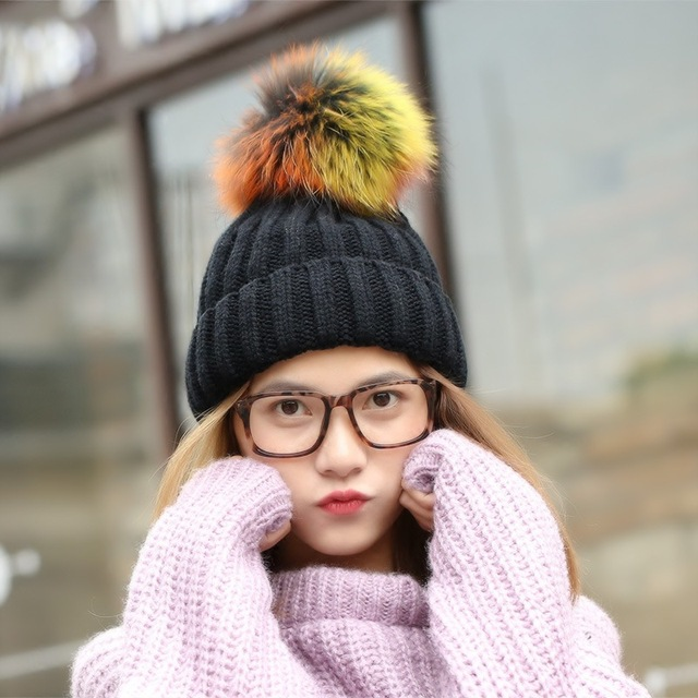 Mulheres Knitt Inverno Caps Chapéu de Lã Verdadeira Pele De Vison Pom Poms  bola Sólida Gorros 1abcf584c1a