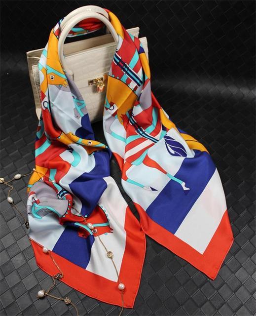Luxo Cavalo Sarja Lenço De Seda Das Mulheres Lenços Quadrados Xales E Cachecóis Poncho Cape Bufandas Foulard Echarpe Hijab 140x140 cm SF0307