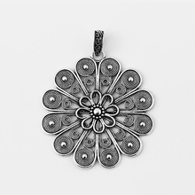 лучшая цена 2pcs antique silver hollow open flower charms pendant for pendant necklace jewelry accessories findings 61*61mm