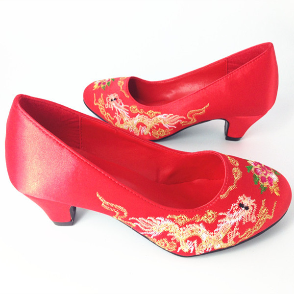 Real Photo Chinese Style Red Wedding Shoes Low Heels Women s Pumps Shoes