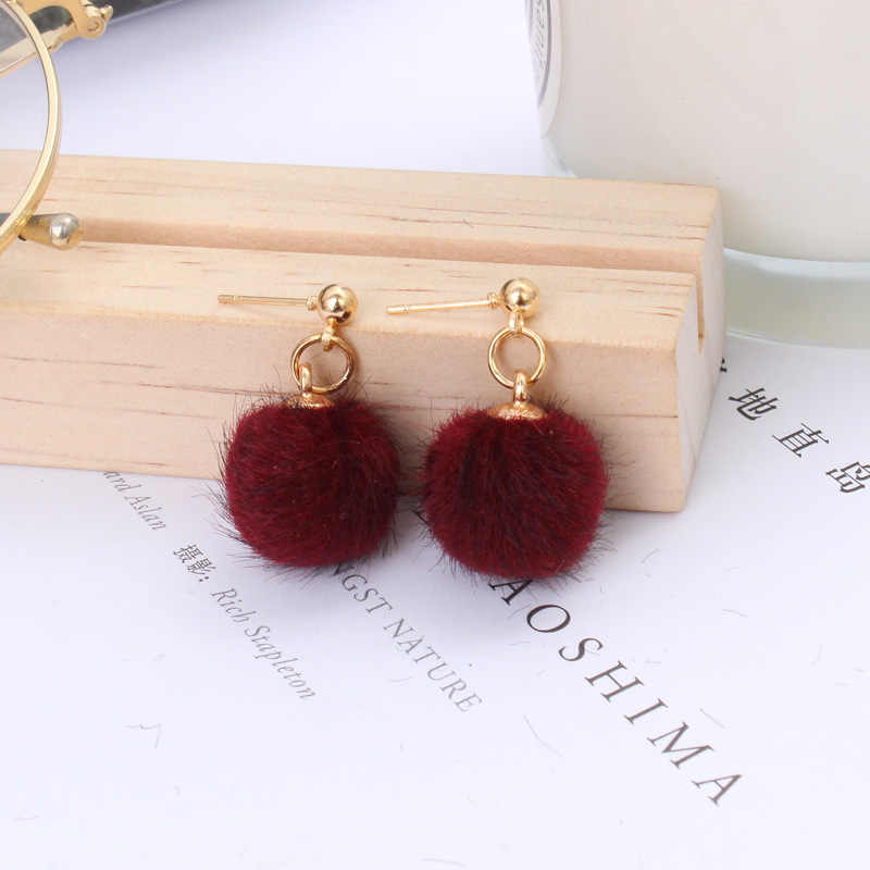 Wholesale Sales 2018 Fashion New Earrings Simple Autumn And Winter Furry Bead Ball Cute Candy Short Paragraph Women's Earrings