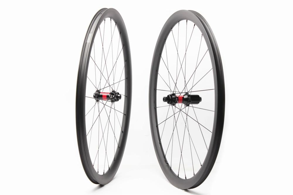 carbon bike wheel gravel