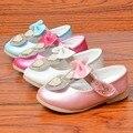 Novo da menina Do Bebê Sapatos Sapatos Da Criança Meninas Sapatos de Flores de couro PU Forma do Amor