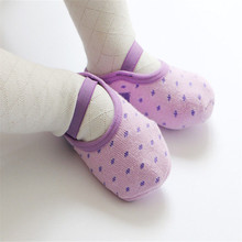 5colors Baby First Walkers Baby Shoes Socks Infant Baby Girls Shoes Rubber Anti Slip Polka Dot Shoe Sole Baby Walker(China)