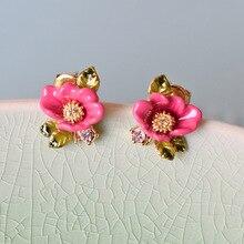 Les Nereides Париж Эмаль Глазурь Медь Мода розовый цветок зеленые листья пион Для женщин Серьги-гвоздики