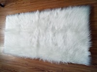 High Cost Effective Odourless Faux Sheepskin Rug Bedside Carpet Floor Mat Tatami Type Mat Soft Warm Rug for Bedroom Kids Mat