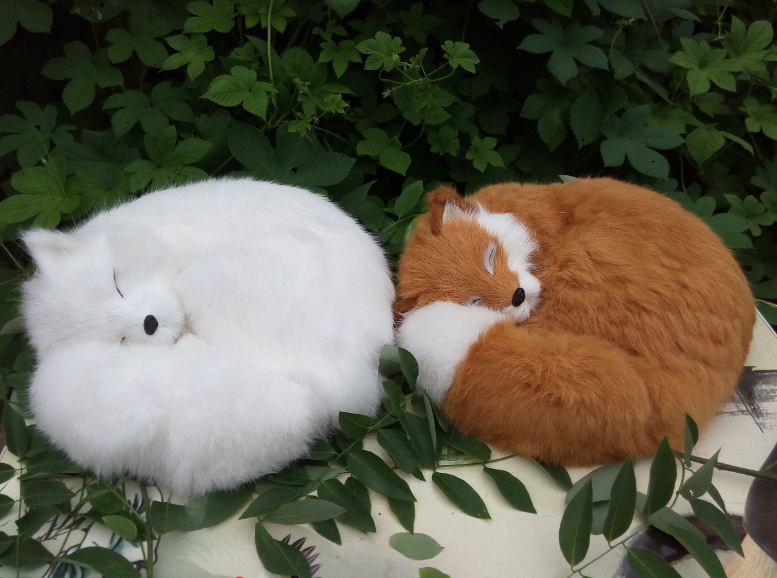 a pair of big simulation fox toy resin&fur fox brown and white sleeping fox doll gift about 27x12x27cm 0837 цена и фото