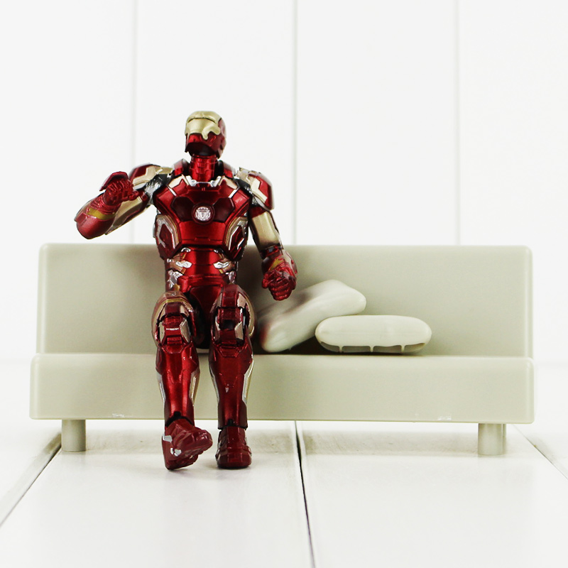 17cm 1set  Super Heros the Iron man Mark 43 with Tony's Sofa PVC Action Figure Model Children Toys Doll Collection new hot 17cm avengers thor action figure toys collection christmas gift doll with box j h a c g