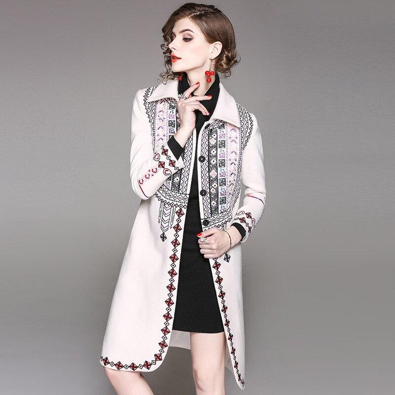 Haute Qualité Collar down Manches Long De rouge Mode Turn Manteau Mince Hiver Nouveau Vintage Outwear Beige 2017 Broderie Pleine Élégant n6zZ8RwqZx