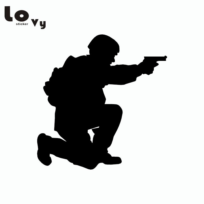 2pcs soldado con pistola etiqueta engomada del coche pistola manual etiqueta de la ventana de gráficos del coche militar