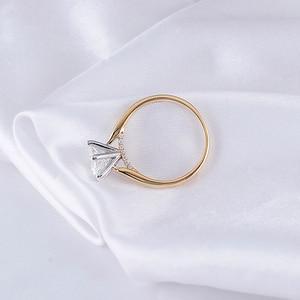Image 3 - Transgems 14K 585 שני טון זהב Moissanite אירוסין טבעת לנשים מרכז 2ct 8mm F צבע Moissanite זהב טבעת עם מבטא