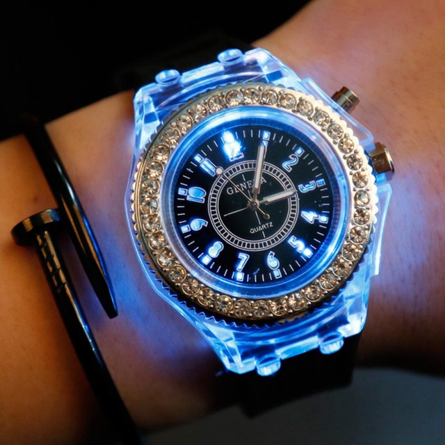 2018 Fashion LED Light Wristwatch Female Form Student Casual Sports Personality