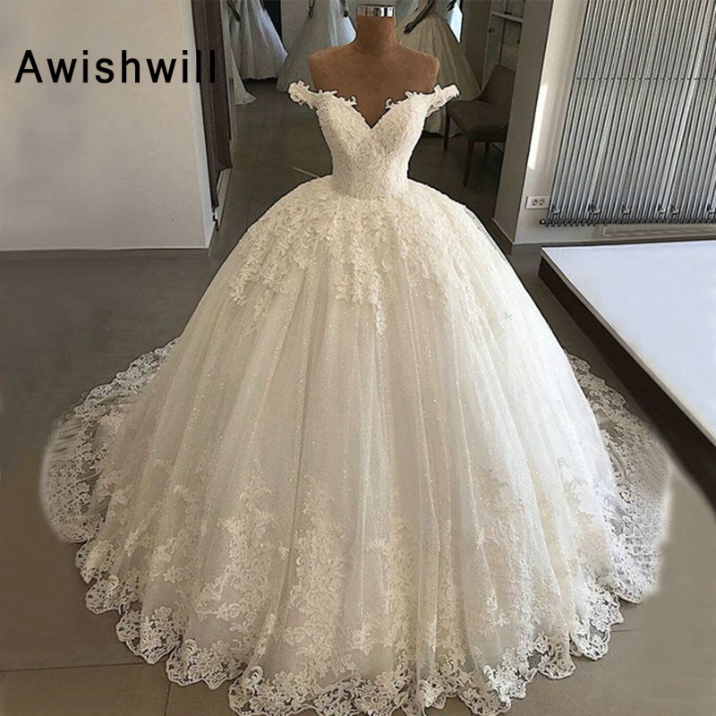 New Arrival Ball Gown Wedding Dress 2019 Off The Shoulder Lace Appliqued With V Neck Princess