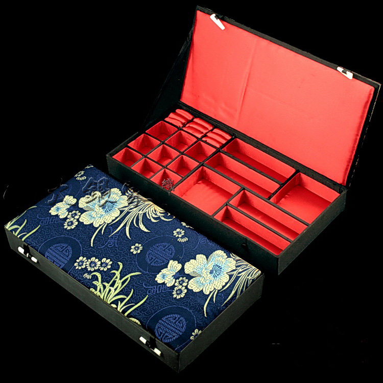 Boîtes de rangement en bois décoratives Multi grille de luxe pour bijoux Multi anneau boucles d'oreilles Bracelet collier soie brocart boîte d'emballage