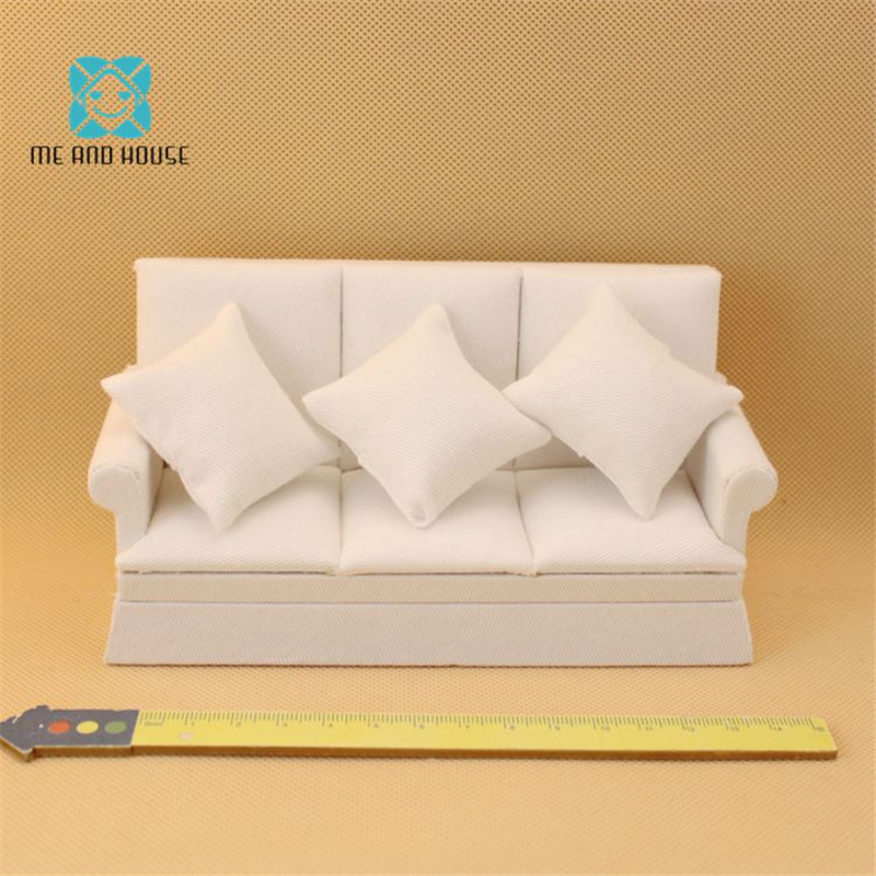 Wooden Toys Miniature Furniture Dollhouse Sofa Handmade Mini Wooden Furniture Dolls Couch 1/12 Scale 3 Colors