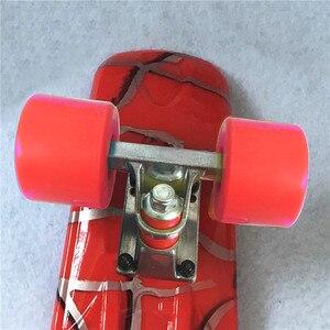 Image 2 - Typ Hip Hop Retro Mini Cruiser Skateboard Batman Muster Mini Bord Skateboard für Outdoor Sport Straße Jungen Für Kind