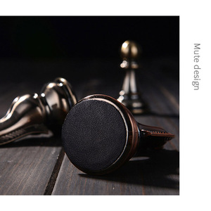 Image 3 - מתכת שחמט סט בדרגה גבוהה מתנת נסיעות בינלאומי שחמט משחק מתקפל עץ עובש לוח שחמט Kirsite שחמט חתיכות צ סמן I60
