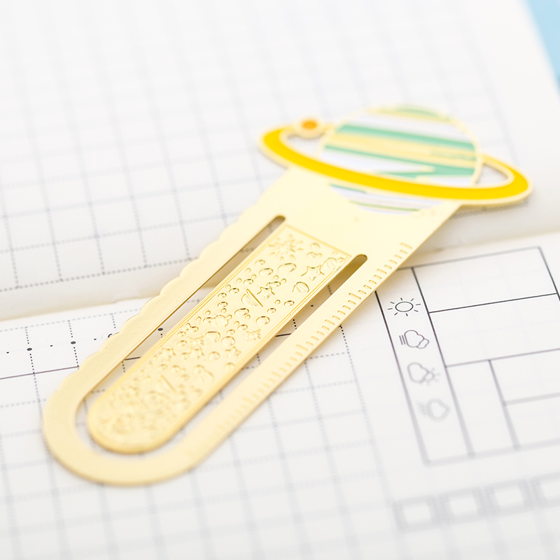 Купить с кэшбэком 20 pcs/Lot Mini planet metal bookmark for book mark page holder clip scrapbooking Office School supplies marcador de livro CC679