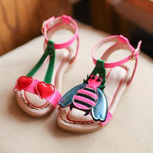 Image 3 - 2018 Summer Girls sandals  flowers with heart sharp and bees beach shoes for baby to big kids