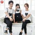2016 Verano Patrón de Corazón Blanco camiseta Familia Trajes A Juego de La Familia mirada camisetas del Papá y de la Mamá y el Hijo y la Hija de ropa