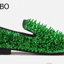 Fashion Gold Green Spiked Loafers Shoes Men Round Toe Bling Sequins Banque  Wedding Shoes Male Slip 716eff6448d7
