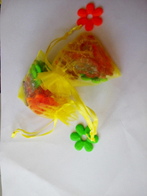 5000 unids amarillo del regalo del organza bolsas 7×9 cm bolsos de fiesta para las mujeres evento casarse bolso de Lazo de Exhibición de La Joyería bolsa de Bolsa de accesorios de bricolaje