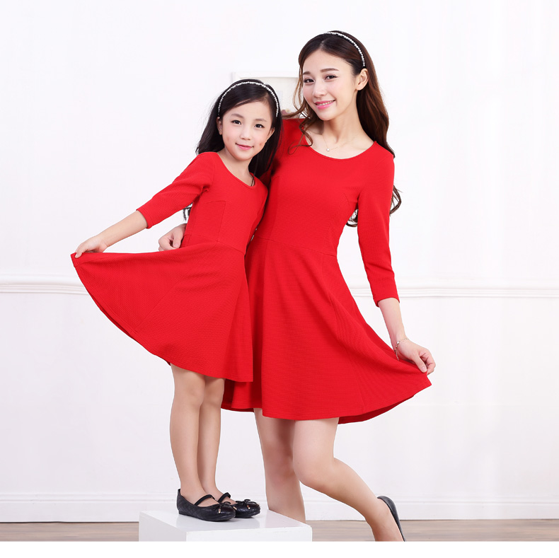 Matching mother daughter christmas dresses baby girl women clothes children female autumn and winter dress kid winter round neck white casual round neck ruffled dress