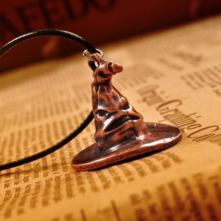 Harry Potter sombrero seleccionador Metal colgante Cosply collar de collar  hombres mujeres navidad regalo 1 unid envío gratis en Collares pendientes  de ... 3e2b613691c