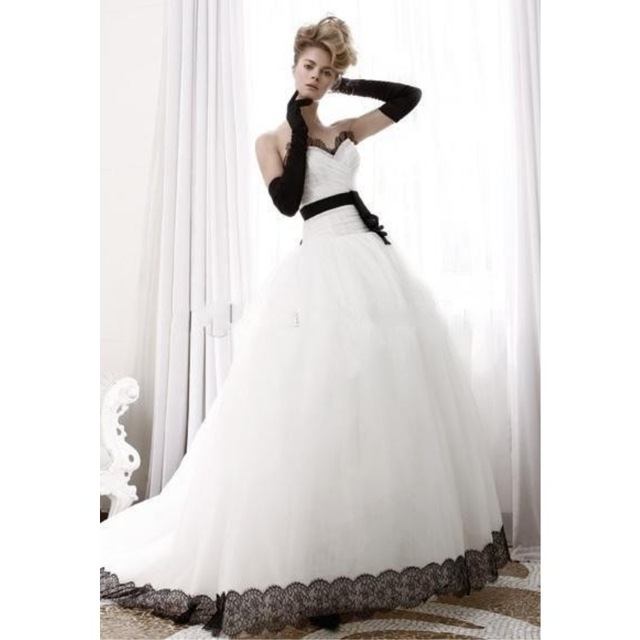 simple elegant white Ball Gown Wedding dresses black lace bridal ...