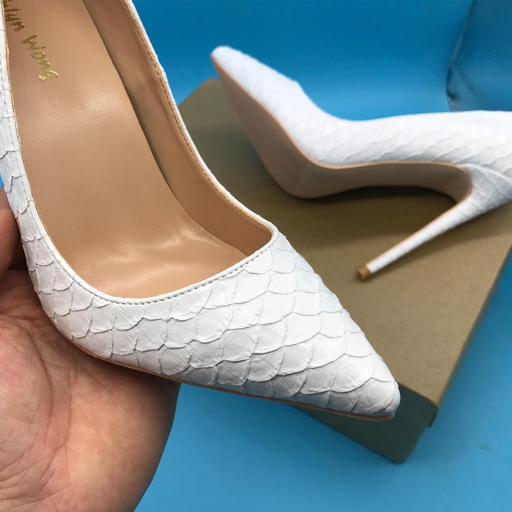 순수한 흰색 뱀 피부 디자인 여성 하이힐 지적 발가락 드레스 신발 KW LC02-에서여성용 펌프부터 신발 의  그룹 1