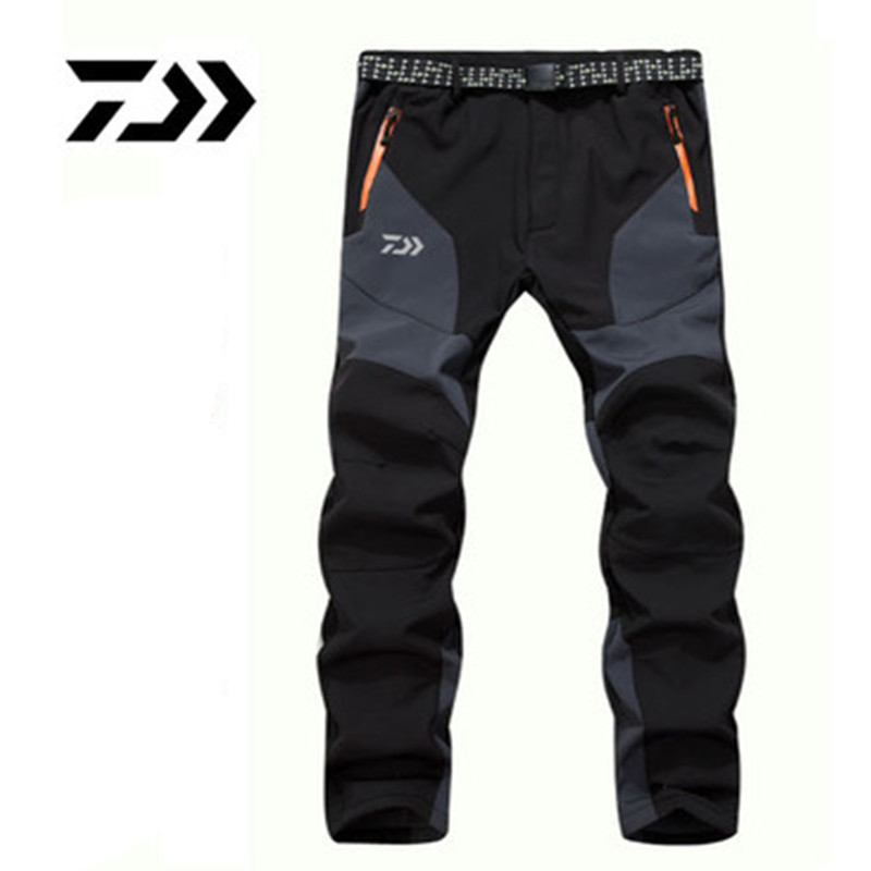 Daiwa 2018 Autumn Winter Daiwa Fishing Pants Warm Fleece Waterproof Soft Shell Pants Patchwork Outdoor Cold Proof Clothes