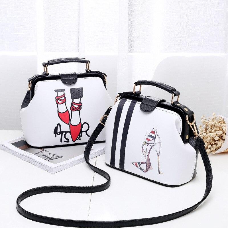 2017 Women Personality Fashion Buckle Small square bag Designer Handbag Casual Shoulder Messenger Bag New Sac Femme 2