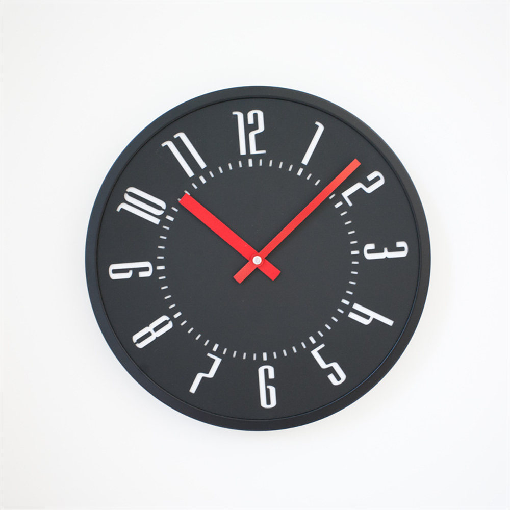 12 Inch Pine Wood Wall Clock Black White Luxury Round European Minimalist Exquisite Artistic Silently Clock For Cafe Home Decor