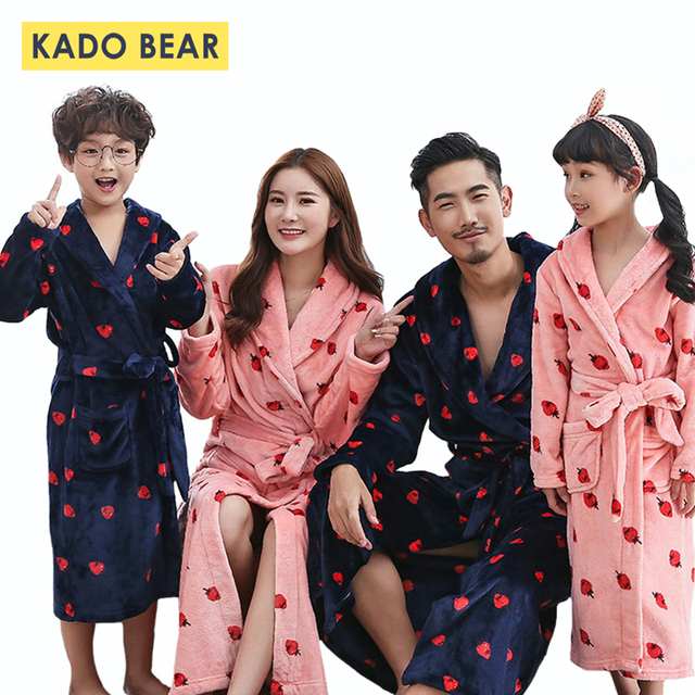f44a788952 Family Look Mother Daughter Bathrobe Kids Matching Clothes Father Son Robes  Mom Mommy and Me Outfits Twins Clothing Sister Robe