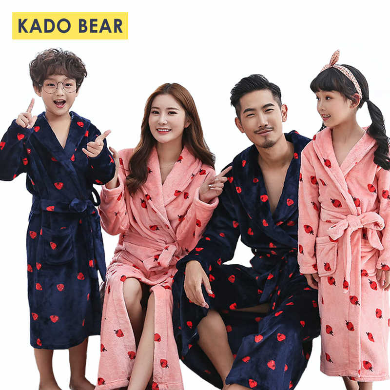 3abd5319a0488f Family Look Mother Daughter Bathrobe Kids Matching Clothes Father Son Robes Mom  Mommy and Me Outfits