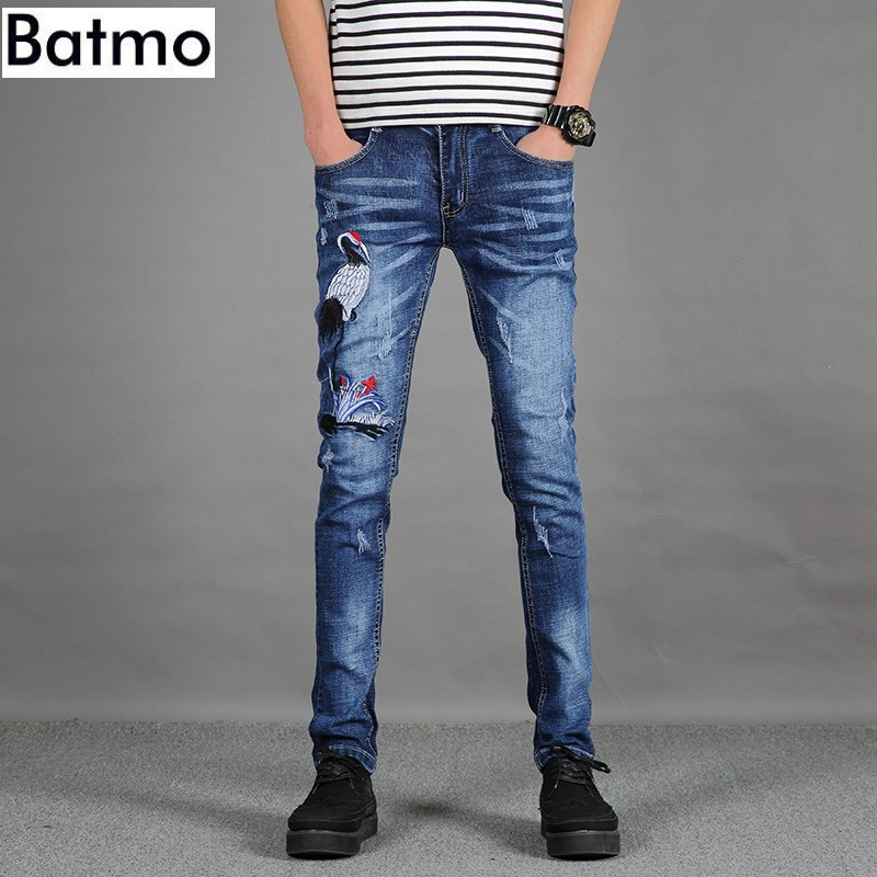 2017 spring new style High quality and fashion embroidery jeans men s casual pants Men s